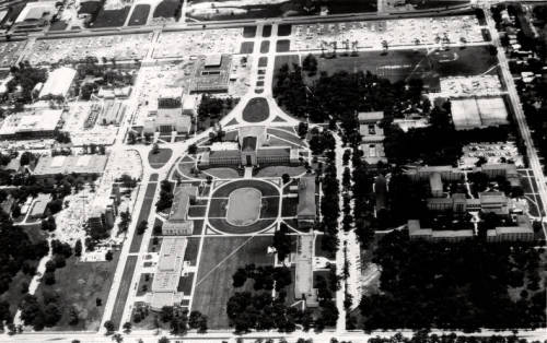 1967 aerial view shows UH buildings arranged around several formal axes