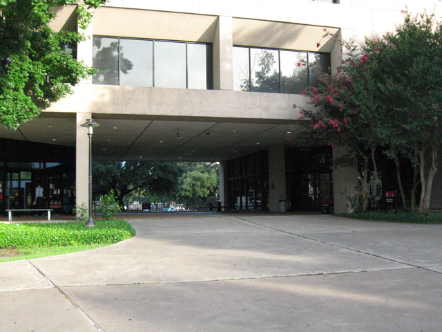 The portal or breezeway in the center bay of Philip G. HoffmanHall. Photo by the author