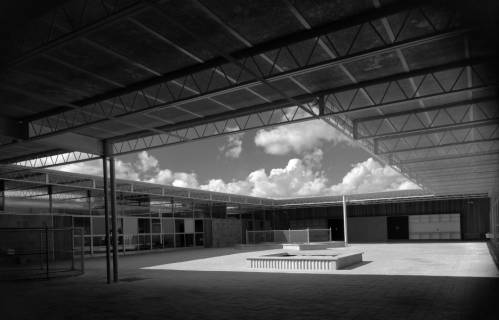 Donald Barthelme, West Columbia Elementary School (1951), north court (Donald Barthelme Architectural Papers and Photographs)